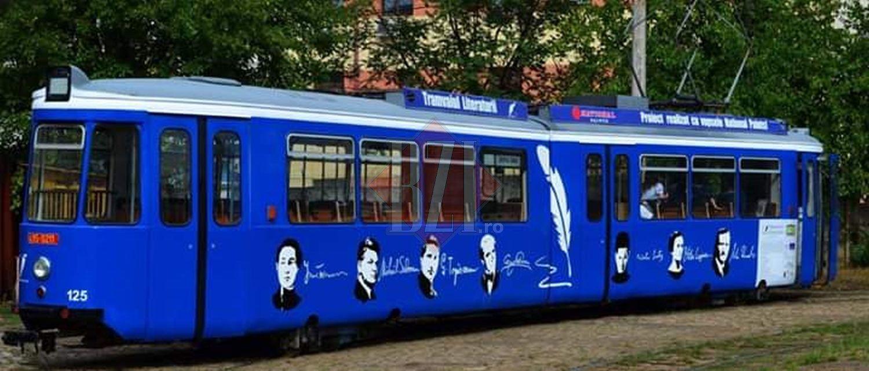 """Chipul poetului ucis de tramvai, NICOLAE LABIŞ, pictat pe un mijloc de transport. """"Dacă a murit beat lemn, aşa a fost să fie!"""" Controverse la Iaşi"""