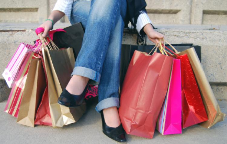 """De unde vine numele de """"Black Friday""""? Faceţi-vă cumpărături, luni, de pe magazinele online din SUA!"""