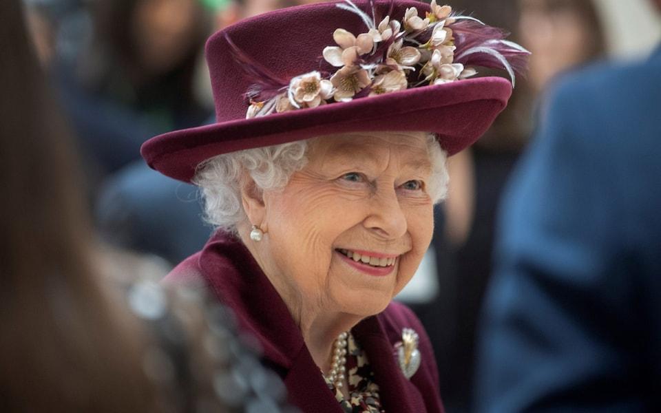 Regina Elisabeta a II-a Marii Britanii va transmite mâine un mesaj istoric