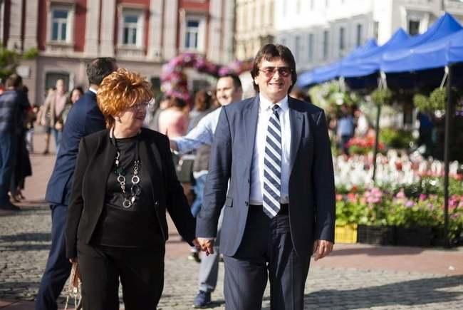 Nicolae Robu recunoaşte că nu citeşte cu atenţie deciziile guvernului