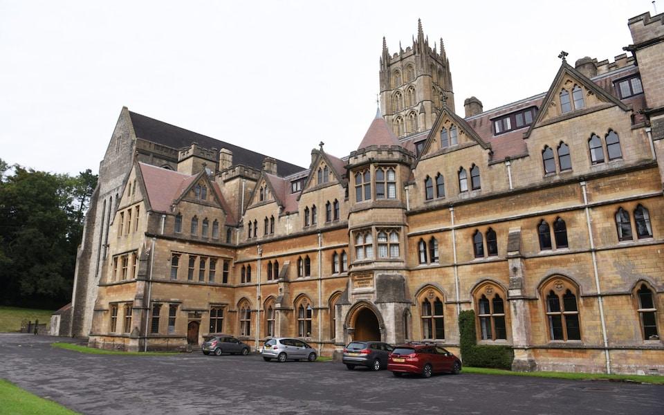O abaţie din Anglia se mută din cauza scandalurilor sexuale cu minorii