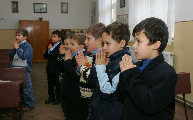 P.F. Daniel: să cultivăm legături statornice între Familie, Biserică şi Şcoală!