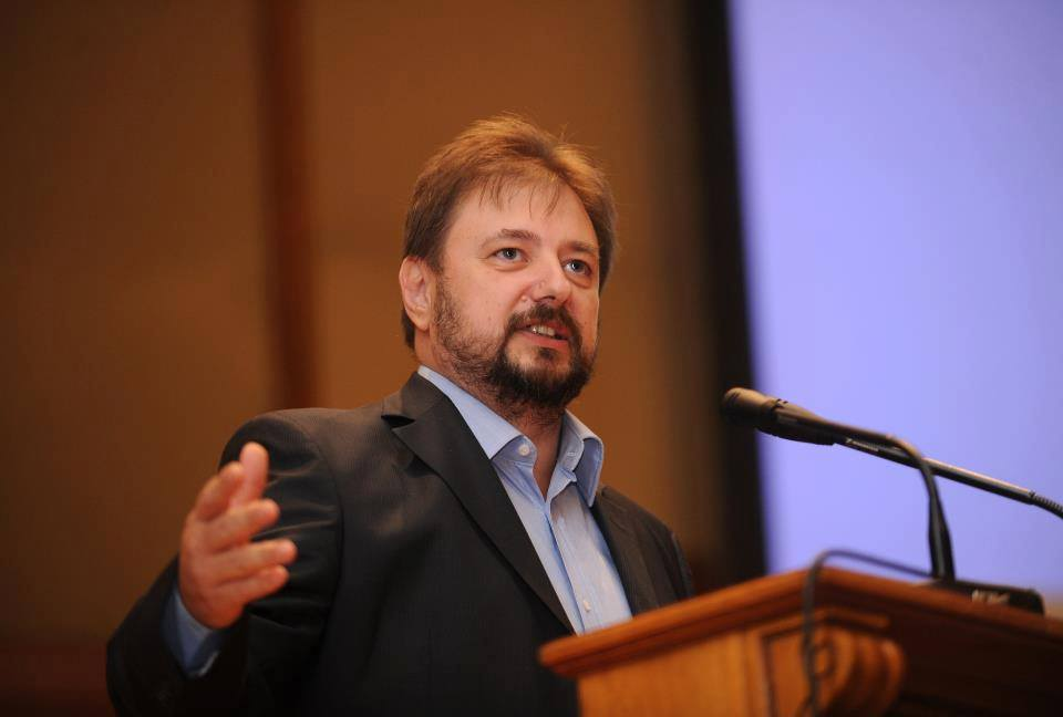 Cristian Pârvulescu crede că religia-n școli e un risc pentru siguranța națională